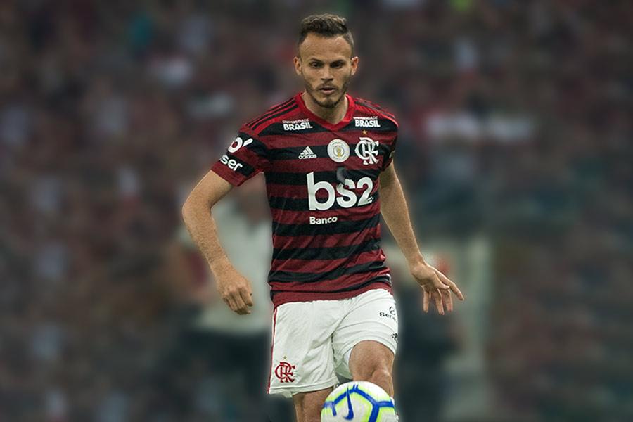 https://mlrbt7f56rcv.i.optimole.com/w:640/h:427/q:90/http://www.gaveanews.com/wp-content/uploads/Ren%C3%AA-em-a%C3%A7%C3%A3o-pelo-Flamengo.jpg