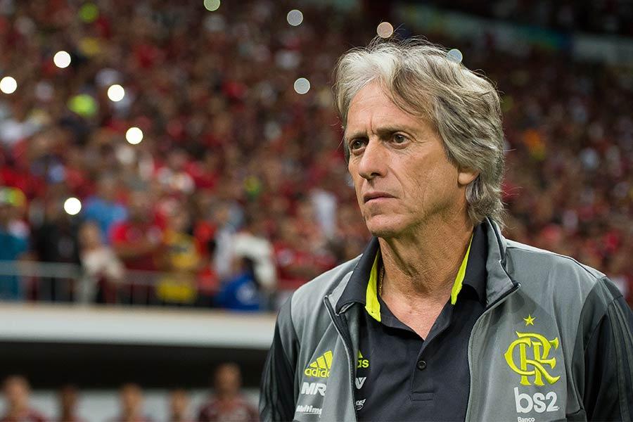 Flamengo escalado para a partida de logo mais