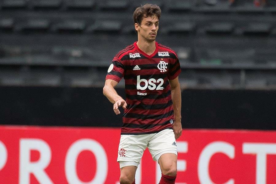 """Rodrigo Caio fala sobre identificação com o Flamengo: """"Eu vim para o lugar certo"""""""